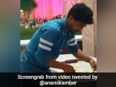 Man Spitting On Tandoori Roti While Making Them Riles Up Internet