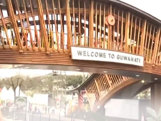 Video : Foot Overbridge Designed With Bamboo Inaugurated in Guwahati