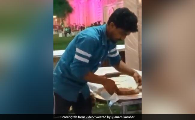Man Spitting On Tandoori Roti While Making Them Riles Up Internet