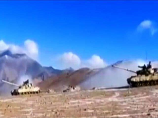 Video : India, China Tanks Pull Back, Other Top Stories