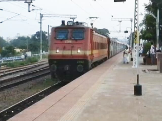 Video : <i>Rail Roko</i> Protest By Farmers Across India Today, Other Top Stories