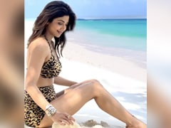 "Shilpa Shetty Is ""Creating Waves"" On Instagram, All The Way From Maldives"