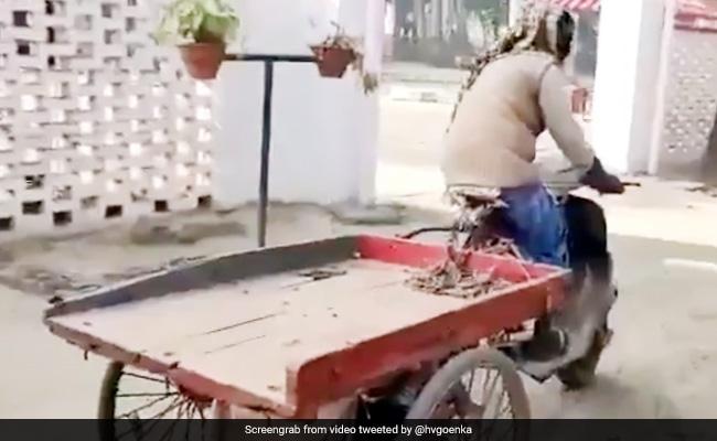 शख्स ने जुगाड़ से बनवा डाला पेट्रोल से चलने वाला रिक्शा, किक मार ऐसे भगाया, हर्ष गोयंका बोले- 'किफायती खोज' - देखें Video