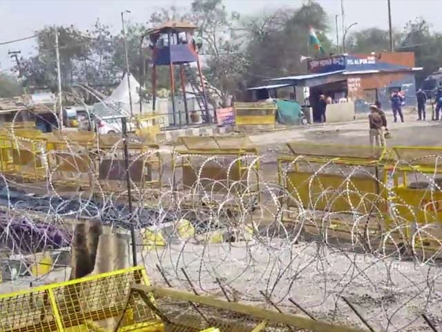 Video : Fortifications At Farmers Protest Site: First-Person Account