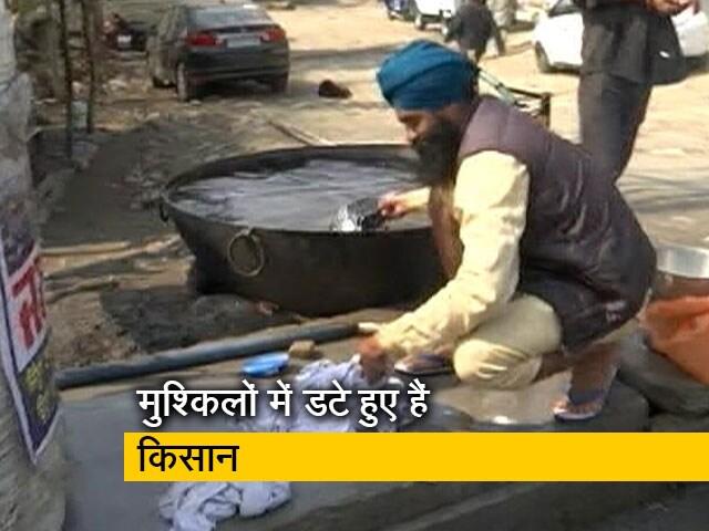 Videos : किसान आंदोलन: सिंघु बॉर्डर पर पानी और टॉयलेट नहीं होने से महिलाओं को काफी दिक्कत