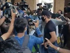 Hrithik Roshan At Mumbai Police Office To Record Statement In Fake E-Mails Case