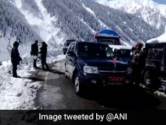 Snow-Clearance Operation Along Srinagar-Leh Highway In Full Swing