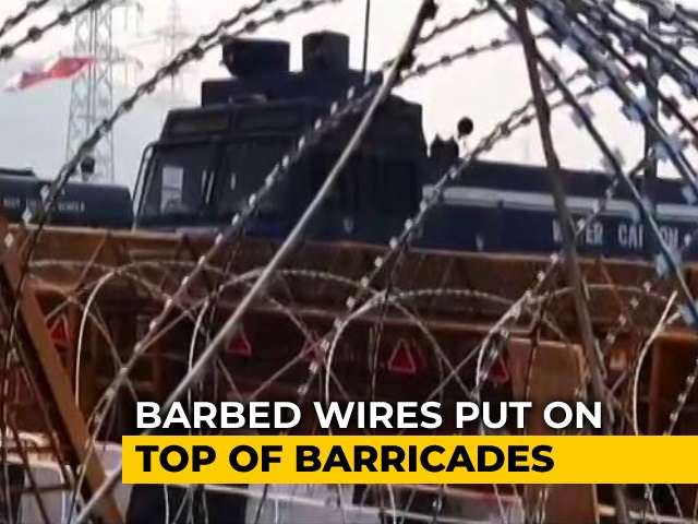 Video : At Ghazipur Border, Iron Rods Welded Into Flyover