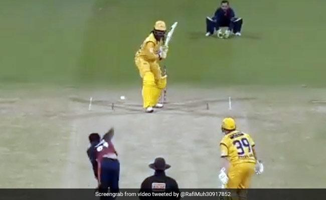 Abu Dhabi T20: एक मिनट के Video में देखें Chris Gayle का तूफान, 22 गेंदों में ठोक दिए 84 रन