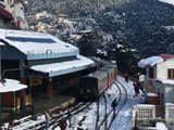 Video : Heavy Snowfall Disrupts Normal Life In Shimla