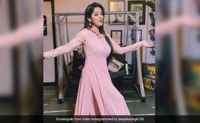 दीपिका सिंह ने पिंक ड्रेस में ध्वनि भानुशाली के गाने पर यूं किया डांस, Video खूब हो रहा है Viral