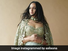Sonakshi Sinha Looks Like a Dream In This Fusion Ethnic Outfit
