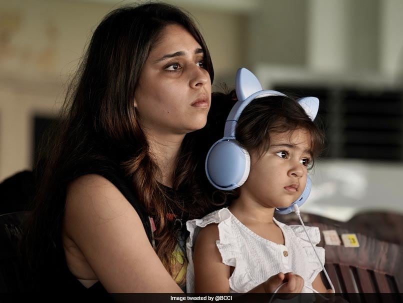 """IND v ENG, 1st Test: """"Cute Little Supporter"""": Rohit Sharmas Wife Ritika, Daughter Samaira Spotted In Stands On Day 3"""