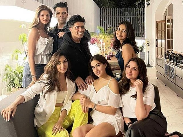 Video : Kiara Advani, Sara Ali Khan And Other Celebs Attend Manish Malhotra's House Party