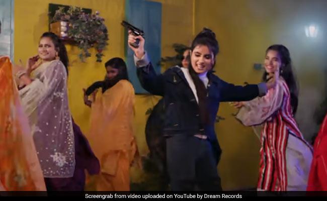 Singer Renuka Panwar of 52 Yard Daman created a buzz with 'DJ Bajwa Dungi 3', Video crosses 2 crores