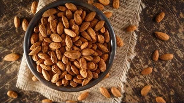 Side Effects Of Eating Almond: Surprising Disadvantages Of Eating Almonds, Badam Khene Ke Nuksan