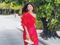 रेड आउटफिट में दिखा शिल्पा का ग्लैमरस अंदाज, समुद्र के किनारे दौड़ती आईं नजर, देखें Video