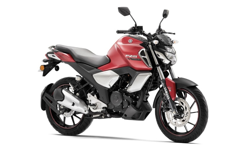 The 2021 Yamaha FZS-FI gets the new matte red paint scheme, taking the colour choices to five