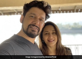 Watch: Madhuri Dixit Tries Pizza Made By Husband Dr. Nene, This Is Her Verdict