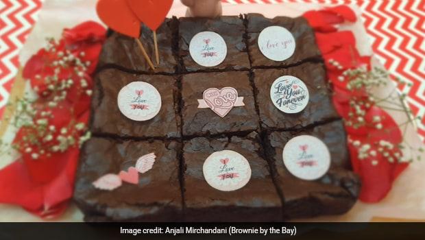 Eggless Red Velvet Cheesecake Brownie