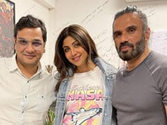 Shilpa Shetty's Pic With <i>Dhadkan</i> Co-Star Suniel Shetty Gets A Whole Lot Of Love On The Internet