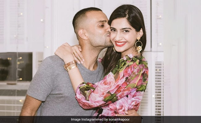 Sonam Kapoor's Throwback To The Time When Anand Ahuja Proposed To Her