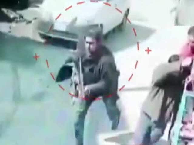 Video : Caught On CCTV, 2 Cops Shot Dead By Terrorists At Srinagar Tea Stall