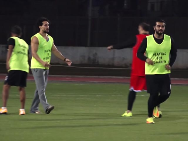 Video : Tiger Shroff And Arjun Kapoor Step Out For A Game Of Football