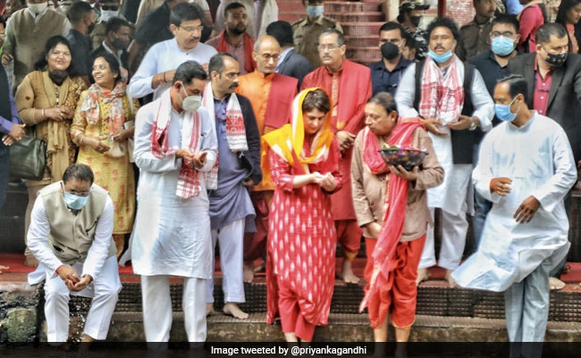 Priyanka Gandhi Offers Prayers At Kamakhya Temple In Assam