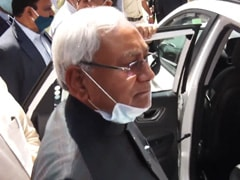 "Nitish Kumar's Barb At Union Minister Over His ""Beat Up Officials"" Remark"