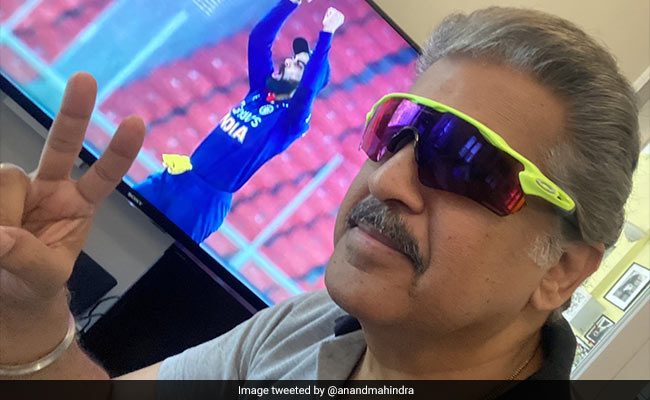 Anand Mahindra Keeps His Promise, Shares A Rare Selfie On Twitter