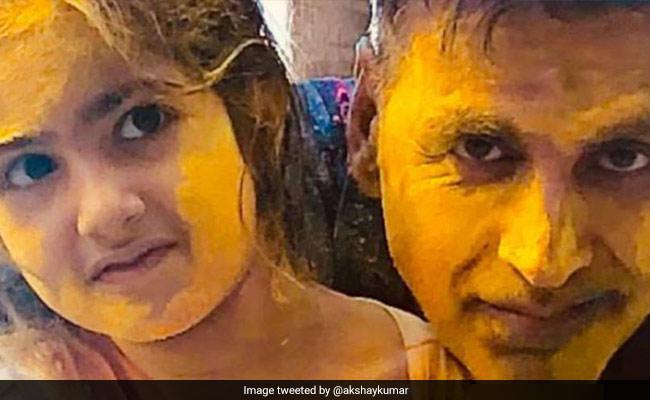 Holi 2021: On Akshay Kumar And Twinkle Khanna's Instagram Palettes, Nitara Adds A Splash Of 'Joy'