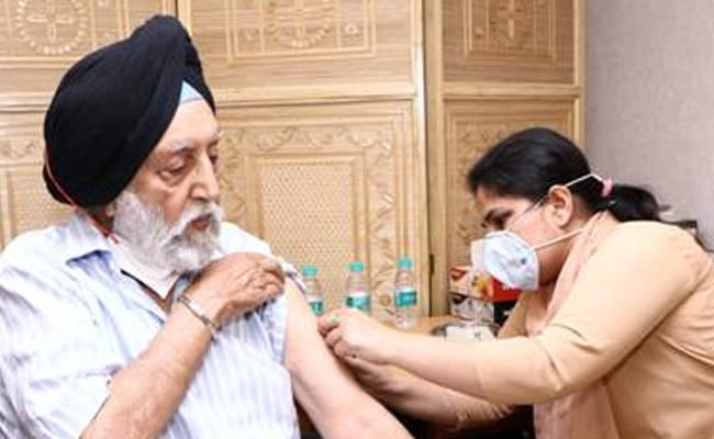 Election Commission Starts Vaccine Drive For Officials At Delhi Headquarters