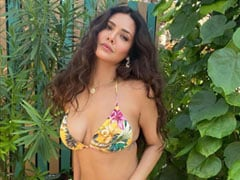 Esha Gupta Being Stunning In Maldives Is The Ultimate Vacation Vibe