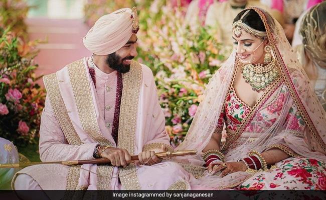 जसप्रीत बुमराह ने स्पोर्ट्स प्रेजेंटर संजना गनेशन के साथ रचाई शादी, देखें Photo