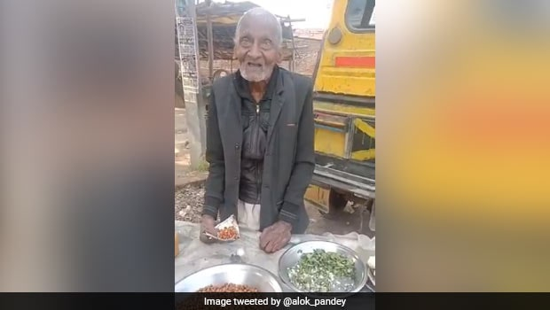 Viral: UP's 98-Year-Old Man Selling 'Chana' For Living Is One Inspiring Video On Internet