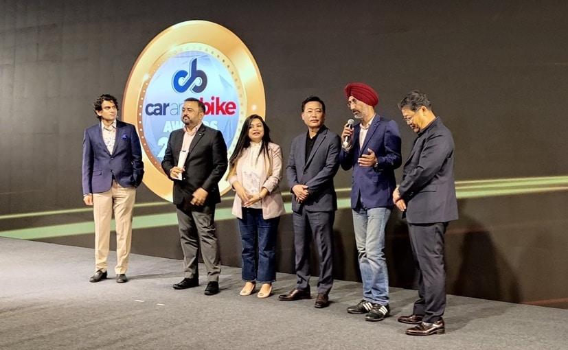 Team Kia India accepts the prestigious 2021 CNB Car of the Year award