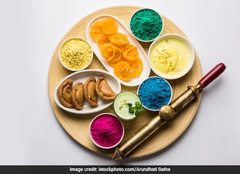 When Is Holi 2021? Date, Time, Significance And Holi Foods That Ooze Nostalgia