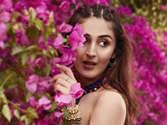 <I>Radha</i>: Dhvani Bhanushali's New Song Is Out Now