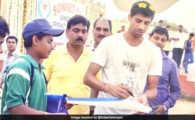 Rishabh Pants old picture with Ashish Nehra goes viral aakash chopra reacted on it