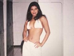 "Of ""<I>Bindis</i> And Bikinis"": Priyanka Chopra's Sassy Throwback. Don't Miss This One"