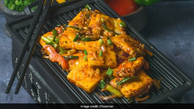 3 Yummy Chinese-Style Paneer Recipes To Celebrate The Weekend