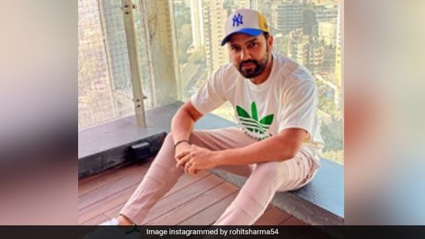 Rohit Sharma Secretly Eating: Caught On Cam! Rohit Sharma 'Secretly' Eating In Between Match Leaves Internet In Splits