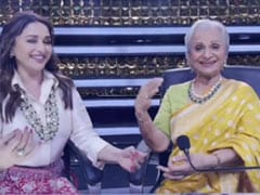 Madhuri Dixit And Waheeda Rehman's Dance Video Gets A Whole Lot Of Love From The Internet