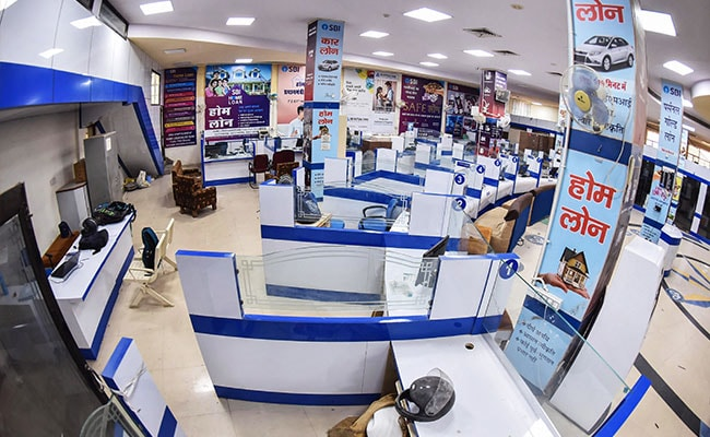 Key Services Hit As 2-Day Nationwide Bank Strike Begins: 10 Points
