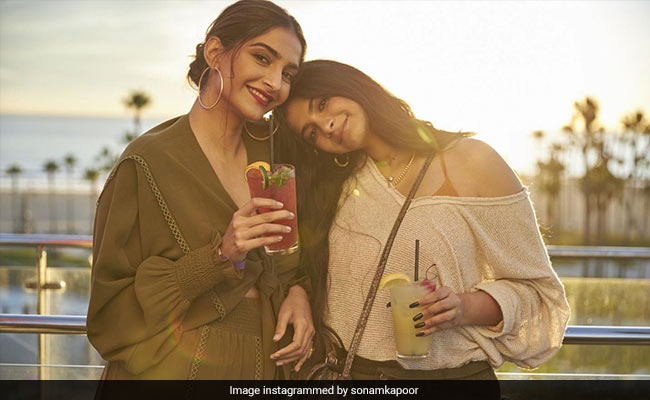 'Miss This Face,' Writes Sonam Kapoor In Latest Post For Sister Rhea