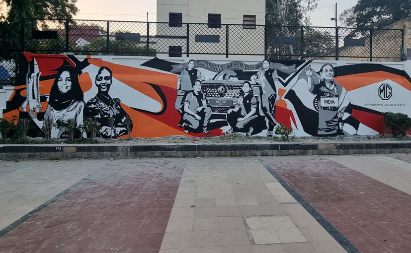 The mural in Delhi celebrates prominent Indian women & the all-female crew behind the 50,000th Hector