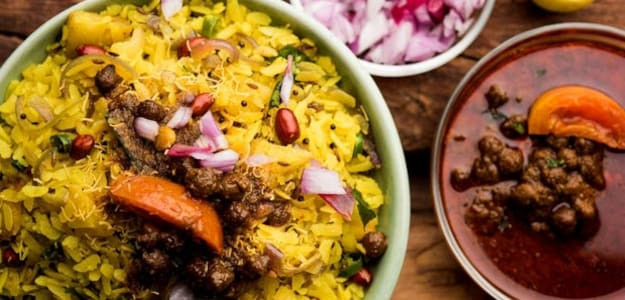 Celeb Nutritionist Rujuta Diwekar Gushes Over The Goodness of Poha - Check It Out
