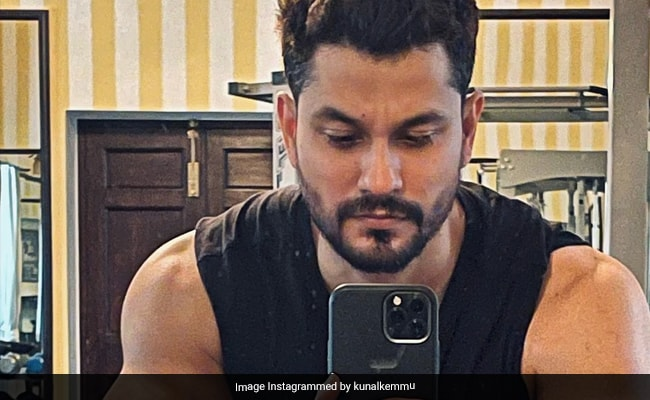 Kunal Kemmu Digs Into This Popular Snack. Soha Ali Khan Asks If Its The Breakfast Of Champions