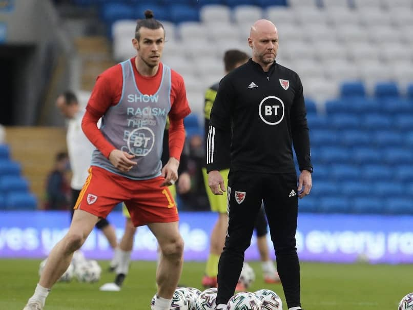 """Gareth Bale has praised Wales caretaker coach Robert Page for keeping the team focused despite off-the-field distractions and securing a """"massive win"""" over the Czech Republic in a 2022 World Cup qualifier."""
